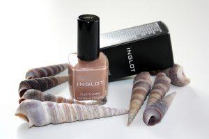Inglot Cosmetics review blog Nail Enamel By Dagmar Valerie