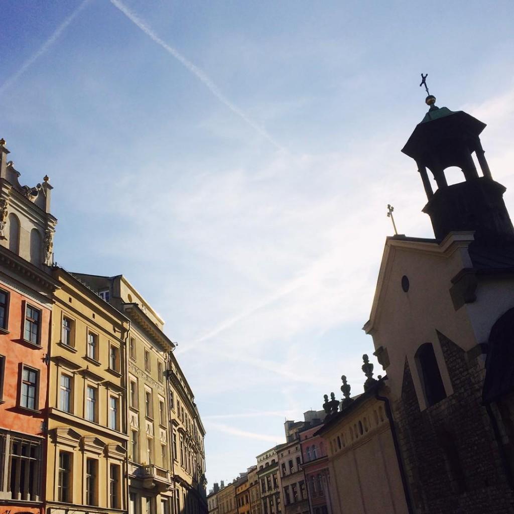 Genieten van het stralende Kraków  Nu nog mooier in de herfst en met het warme zonnetje ❤️ #happy #autumn #love #travel #polska #poland #krakow #cracow #krk