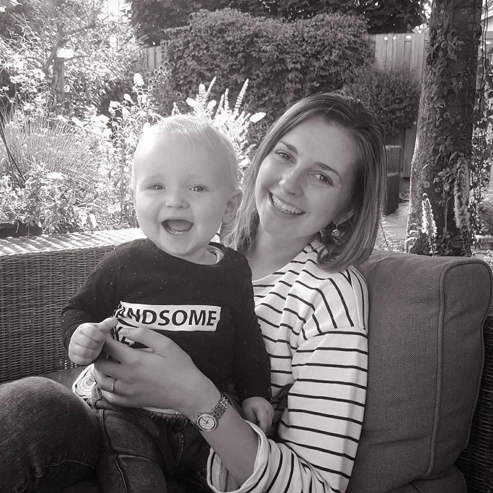 Mijlpalen en ontwikkelingen van Lucas (9 maanden)