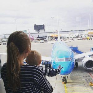 Vliegen met een baby – Tips en onze ervaringen