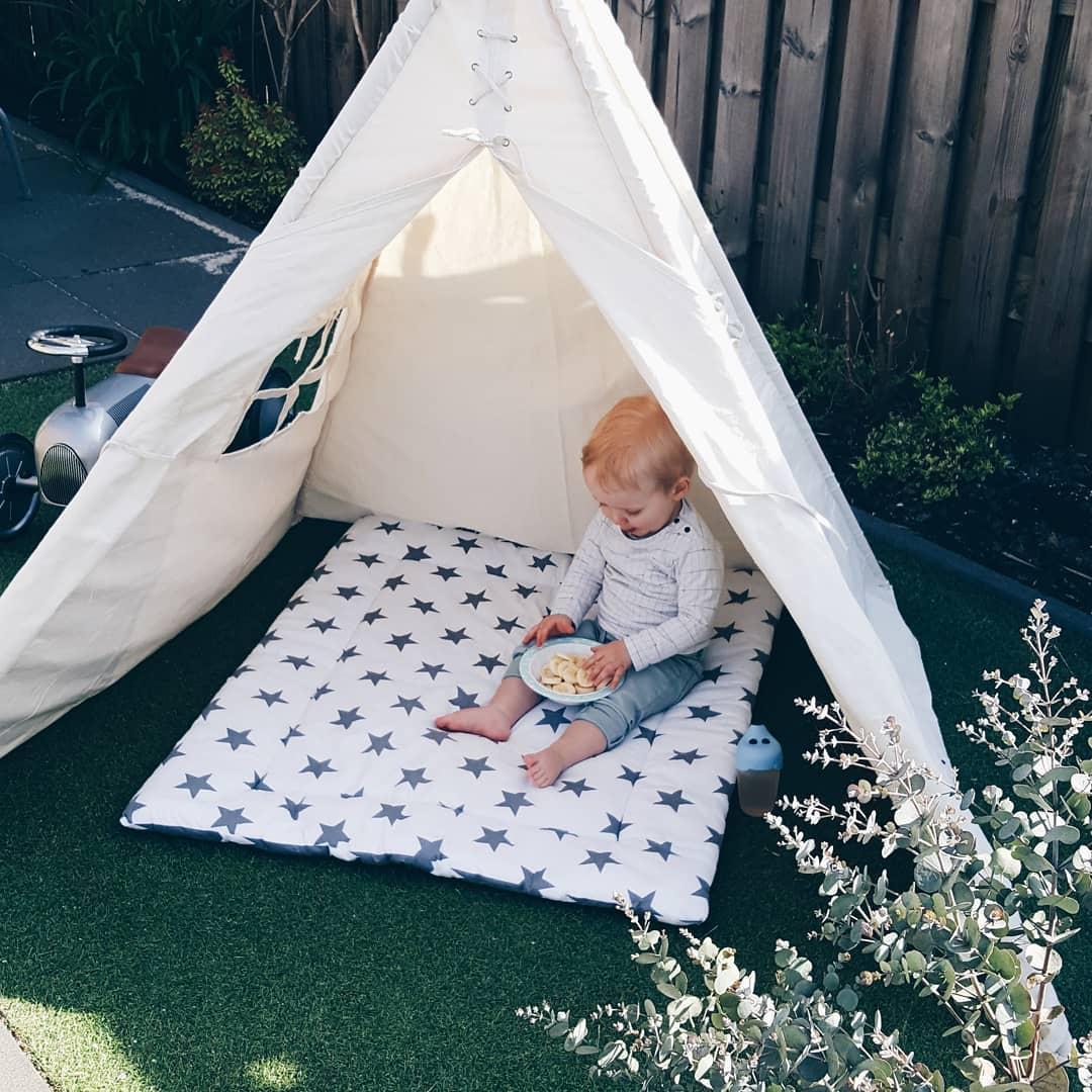 NEW IN – Slaapzakje en servies voor Lucas van Jollein