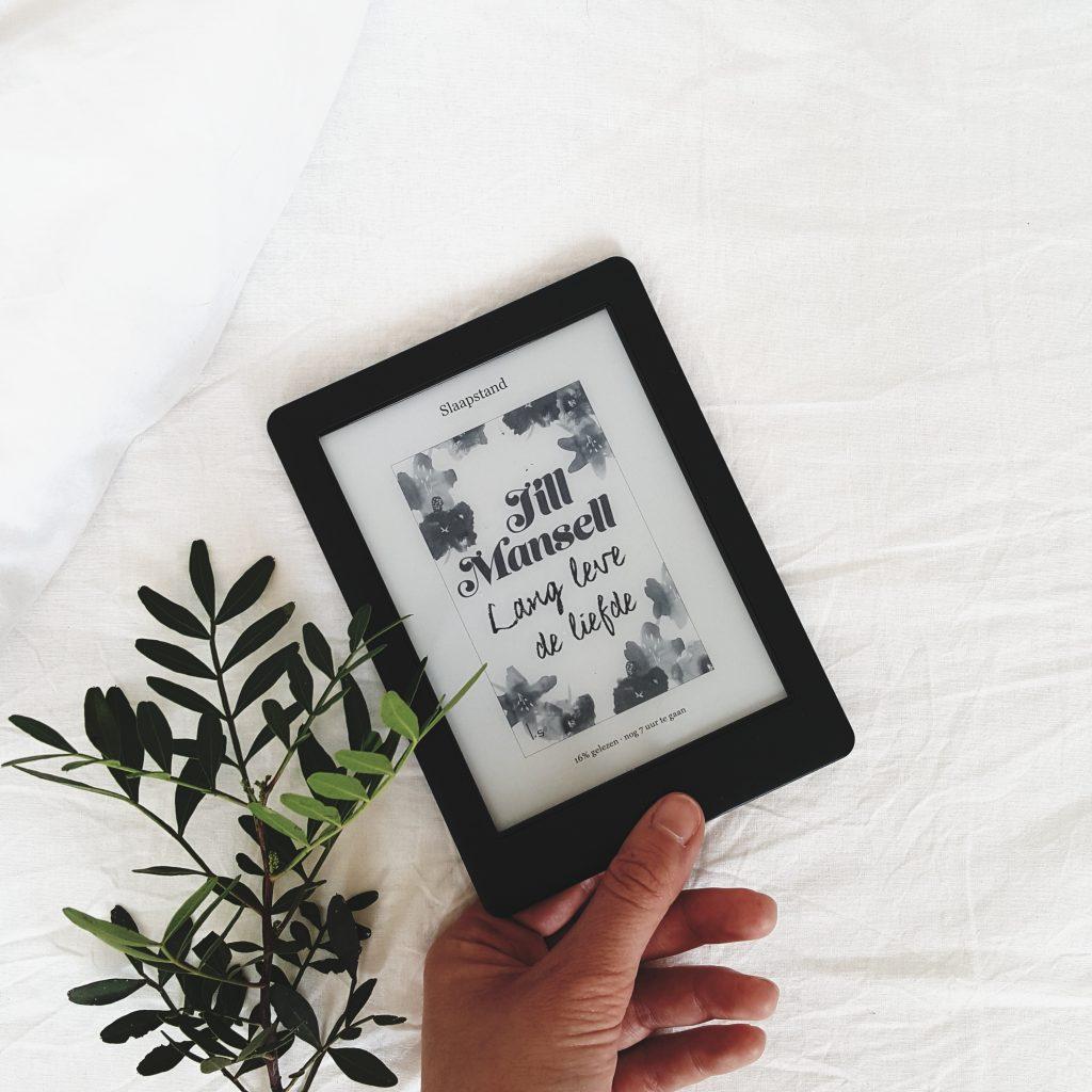 Kobo Glo HD e-reader Jill Mansell roman