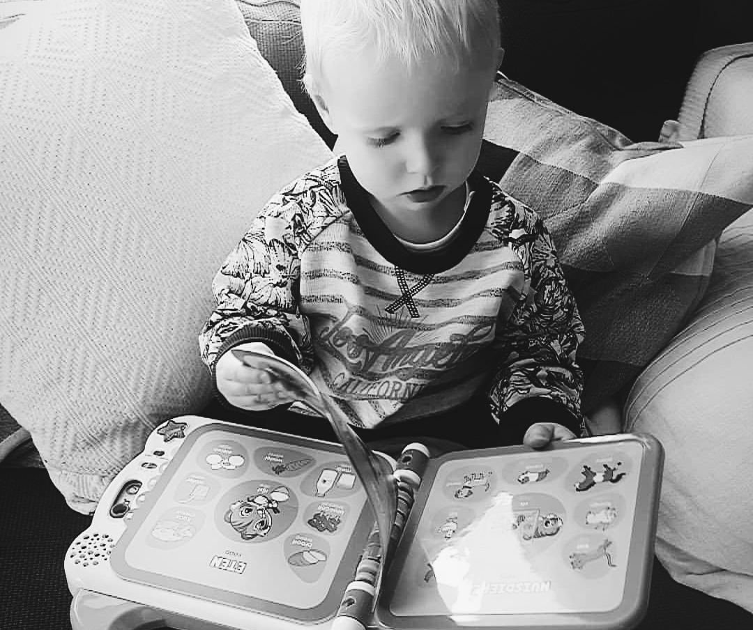 Even bijkletsen – Lucas kan steeds beter praten én zingen