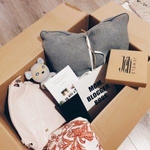 Happy Mama BlogBox – Nieuwe sieraden, zonnebril en tas