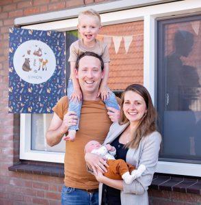 Feestelijke mijlpaal: Simon is 8 weken oud